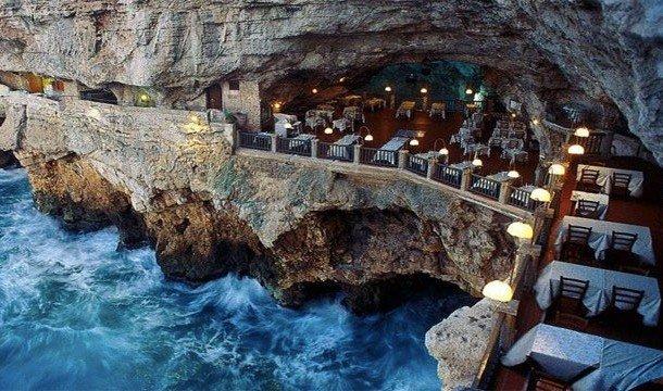 22. Ristorante Grotta Palazzese (Апулия, Италия) Получить незабываемые впечатления можно посетив это