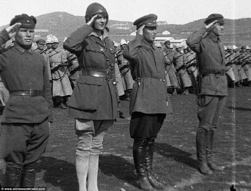 Алоха с советскими солдатами. Алоха в СССР.