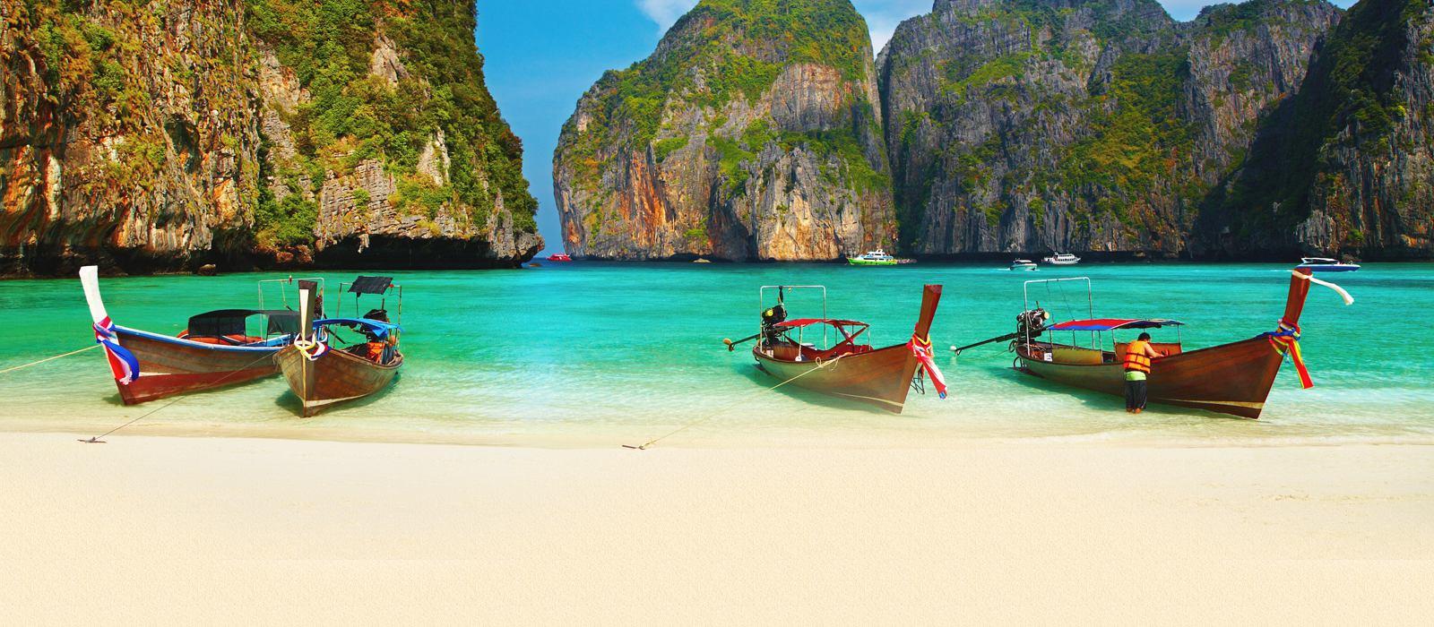 В Таиланде это оказалось сделать нелегко, не имея хорошей суммы денег на руках, а наши рублики к том