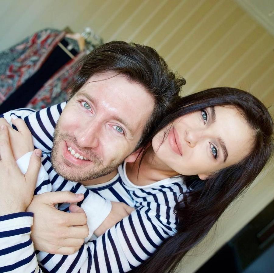 Елена Темникова впервый раз затри года показала отца собственной дочери