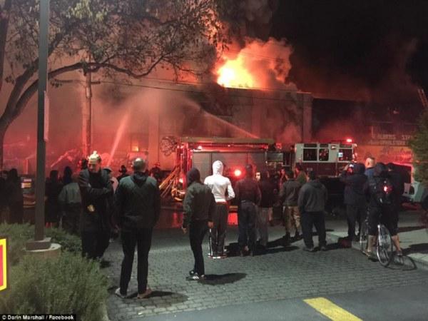 Число погибших пожара вночном клубе США достигло 24 человек