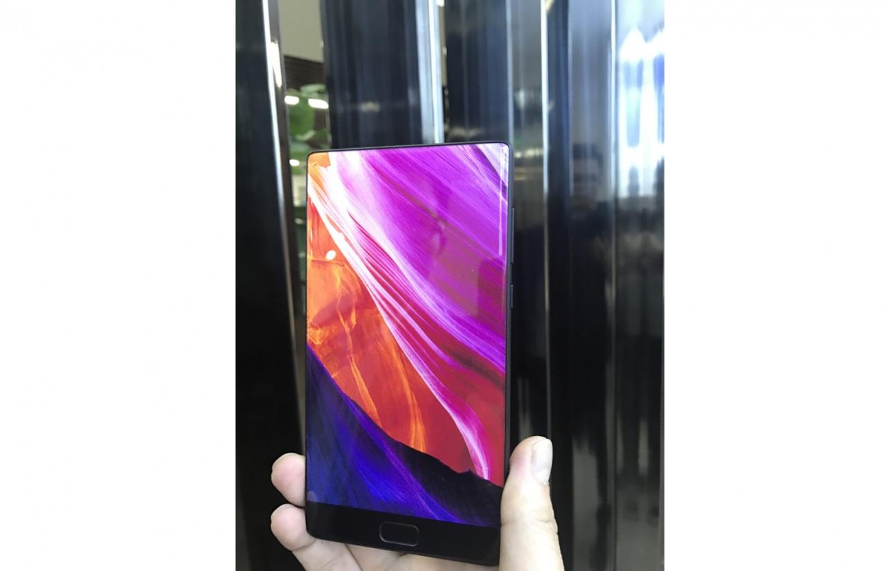 Смартфон Elephone S8 сбезрамочным экраном будет конкурентом XiaomiMI Mix