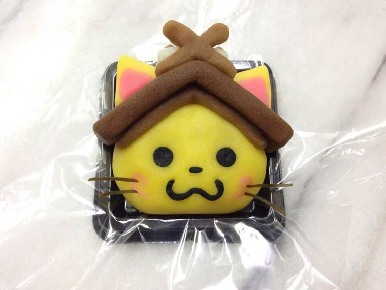 A Japanese confectioner imagine adorable traditional pastries