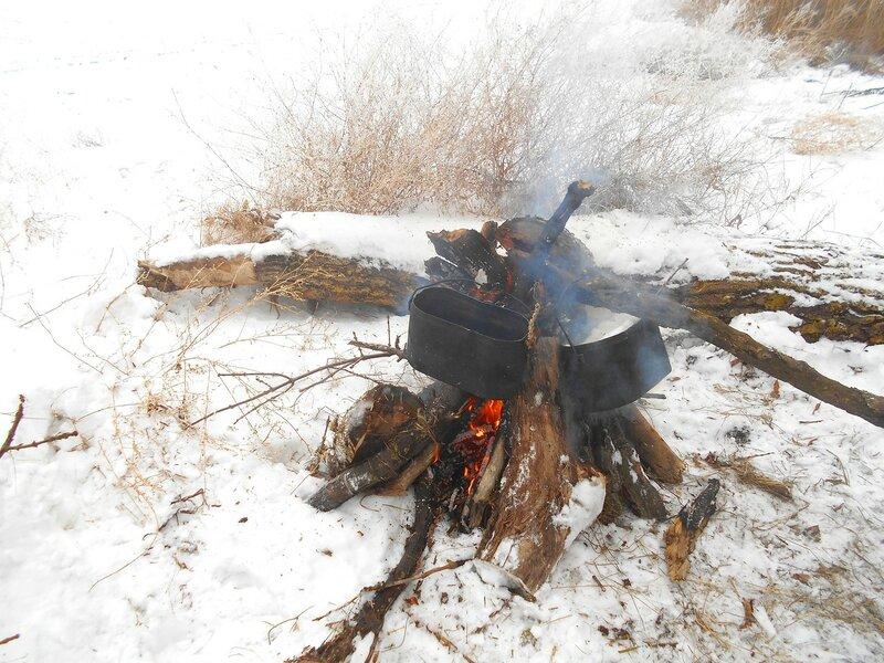 Пристроили ... В походе декабрьском, снежно-туманном,