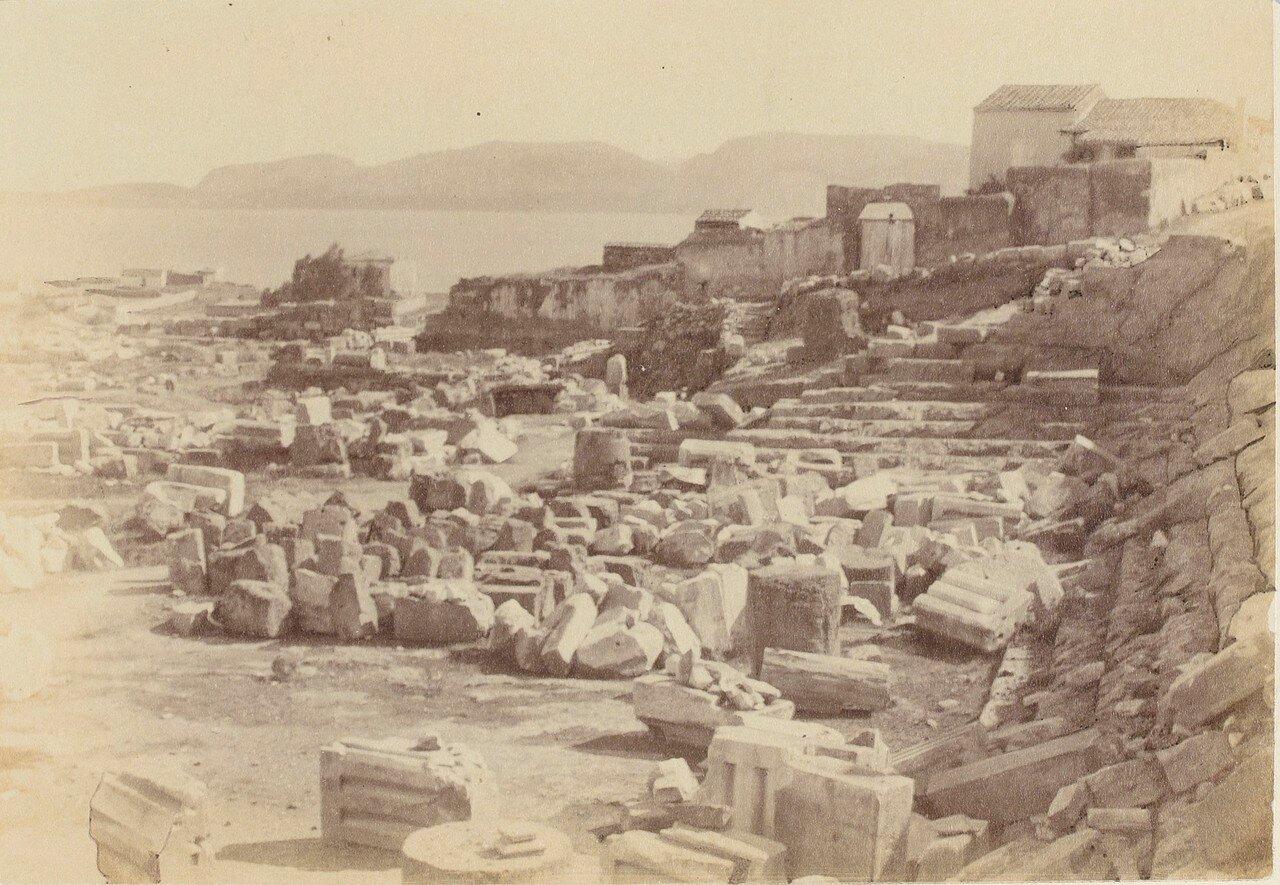118. Элевсин. В руинах храма