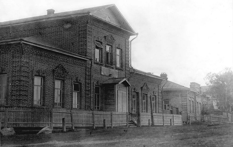 Здание ремесленной школы