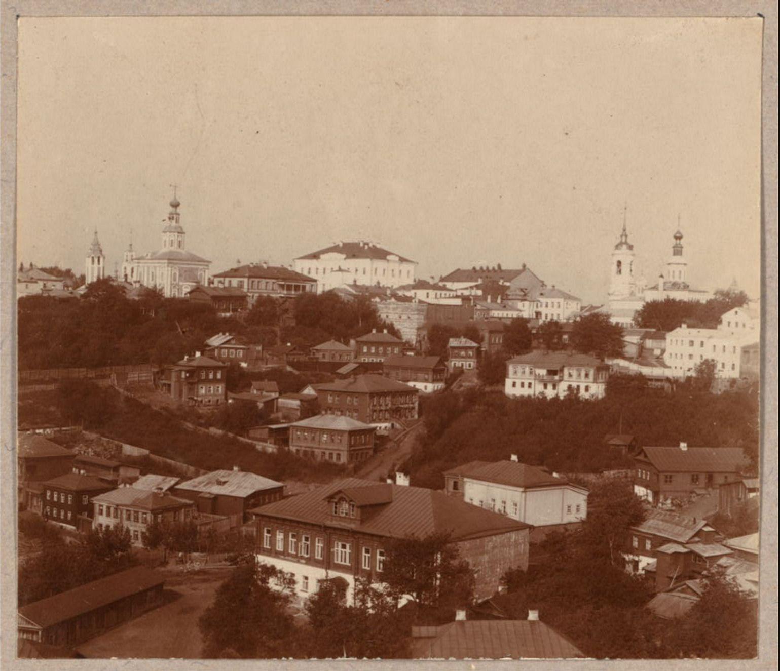Вид с Пушкинского бульвара с восточной стороны