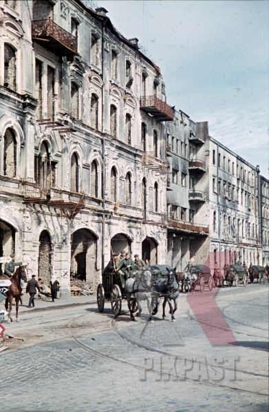stock-photo-destroyed-buildings-in-minsk-belarus-russia-1941-9206.jpg