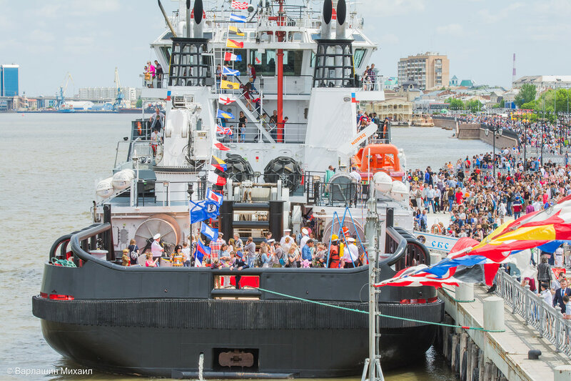 В Астрахани открыты для посещения 3 корабля из состава Каспийской флотилии