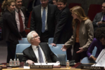 Виталий Чуркин и Саманта Пауэр на Совете Безопасности ООН.png