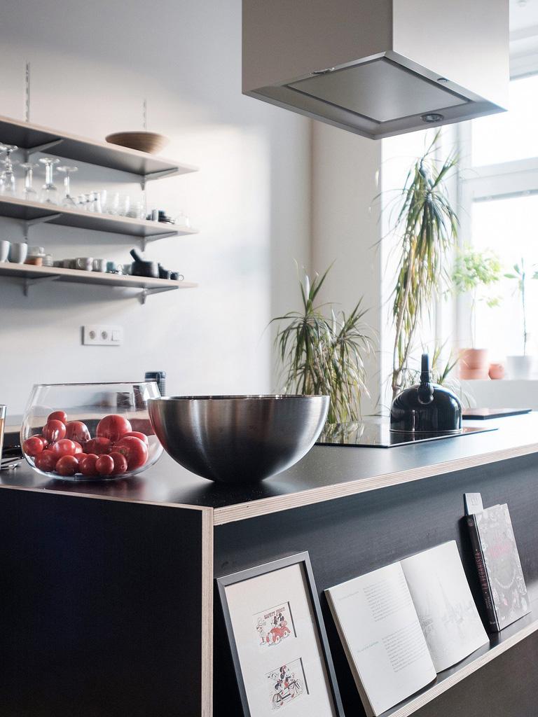 modern-apartment-wiht-hidden-room-9-1360x1813.jpg