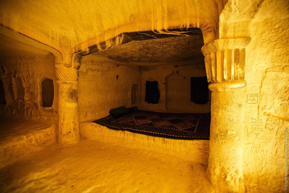 35. Это полуострова Мангышлак. Смотрите также « Самая крупная мечеть в Центральной Азии » и « О