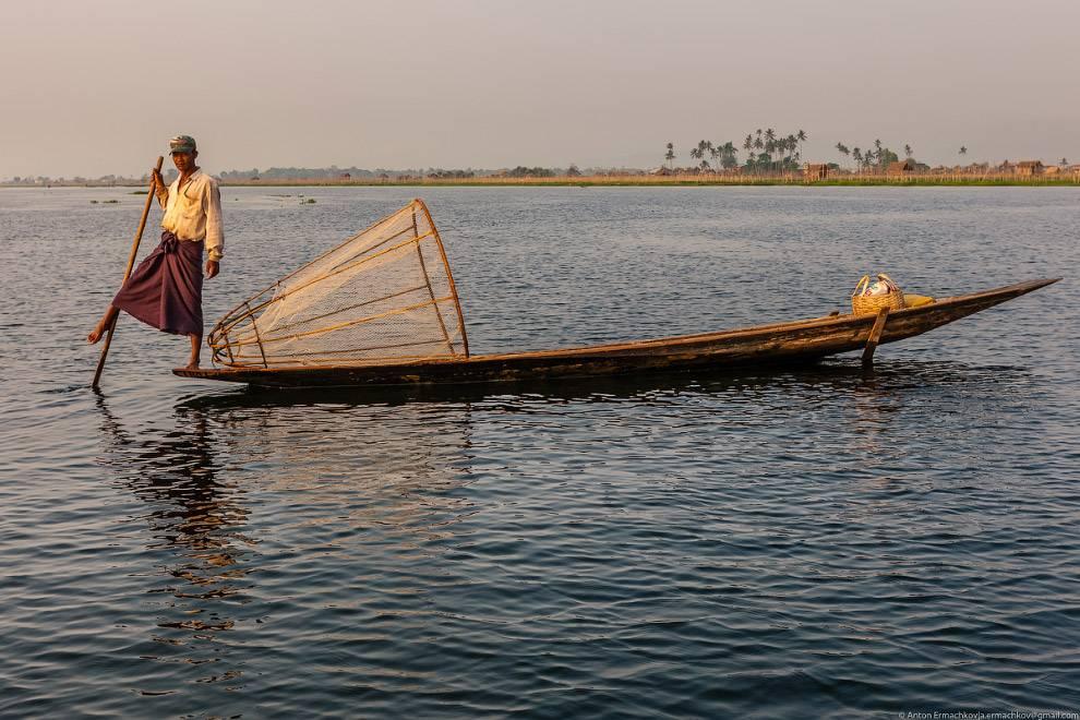 С появлением на озере Инле дешевых китайских сетей, традиционный промысел забросили, как нерентабель