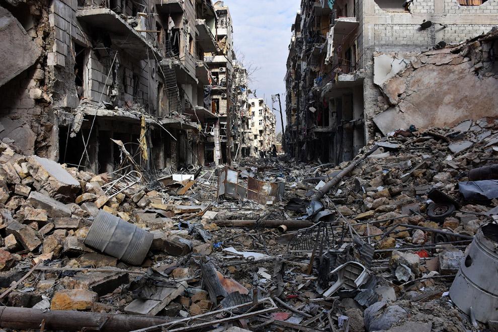 11. Так Алеппо выглядит сейчас. Сложно сказать, кто, когда и за чей счет всё это будет восстана