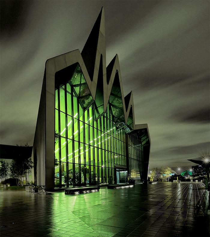 Музей транспорта Риверсайд в Глазго.