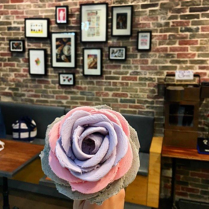 Что может быть лучше цветов? Только цветы из мороженого (8 фото)