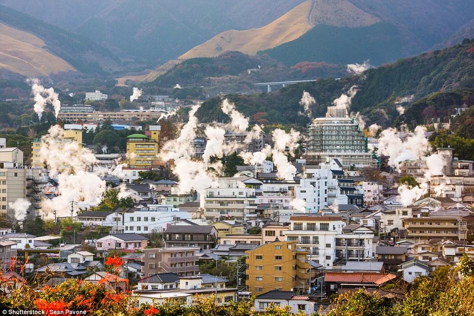 Добро пожаловать в преисподнюю: японский город Беппу, который стоит на вулкане (14 фото)