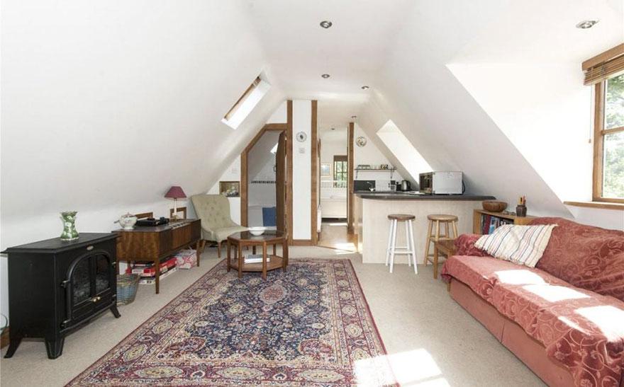 Самый маленький замок Великобритании продается не дороже квартиры