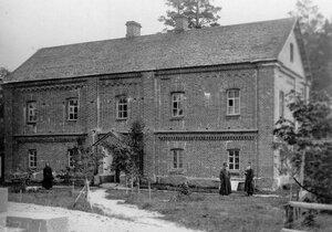 Здание монастырской гостиницы.