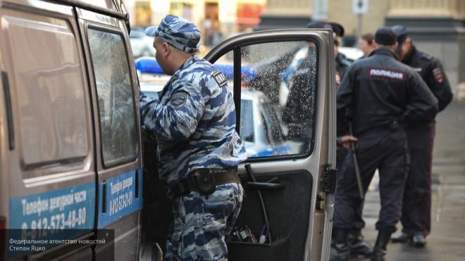 ВПетербурге изювелирного преступники вынесли 60 планшетов сдрагоценностями