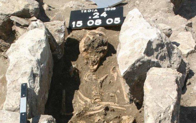 Ученые: старинный скелет поведал огеноме небезопасной бактерии