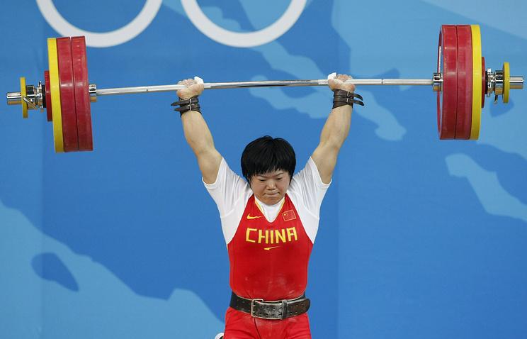 МОК лишил золотых наград  Игр-2008 3-х  китайских тяжелоатлеток