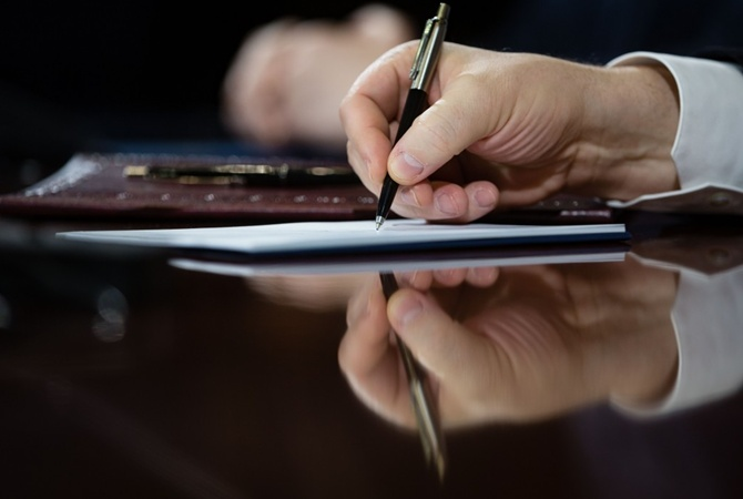 Порошенко подписал указ обувольнении взапас срочников
