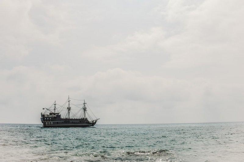 Выпущен Самсунг Galaxy S8 для фанатов Пиратов Карибского моря