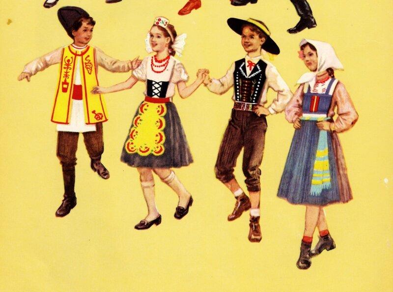 Молдавские и чешские костюмы
