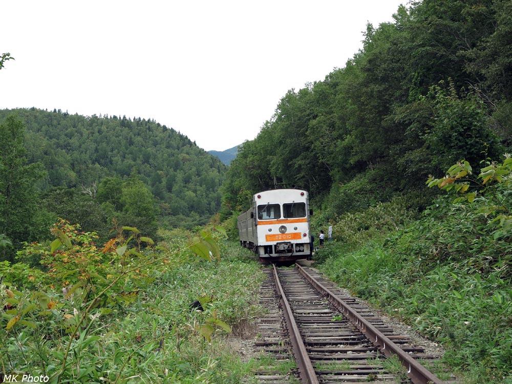 Японский дизель-поезд на конечной остановке
