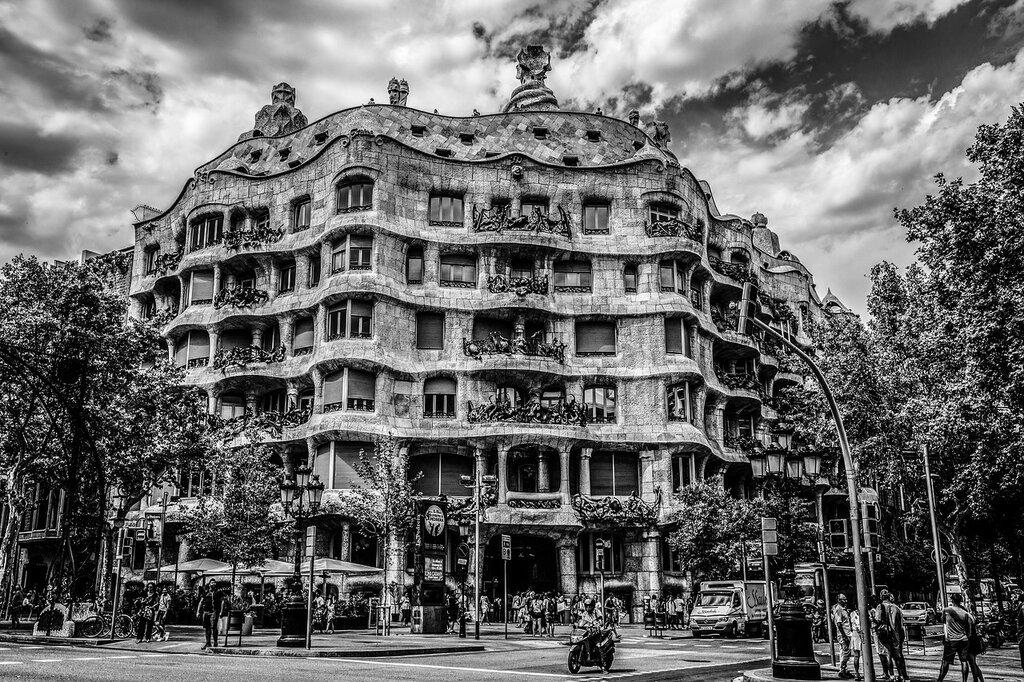 Дом Мила (Casa Mila) Испания, Барселона