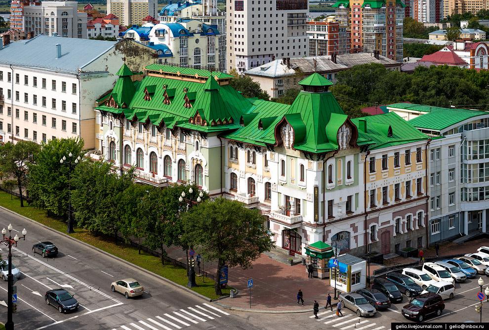 17. Количество солнечных дней (около 300 в году) в Хабаровске втрое больше, чем в Москве и Пете