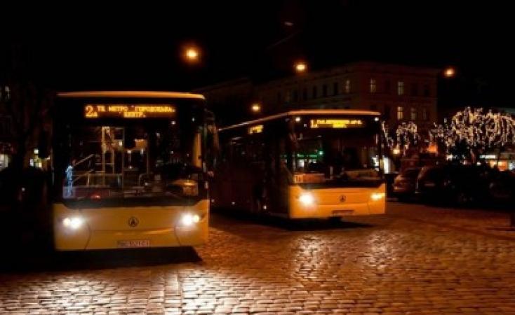 ВКиеве ссегодняшнего дня начнет курсировать ночной наземный транспорт