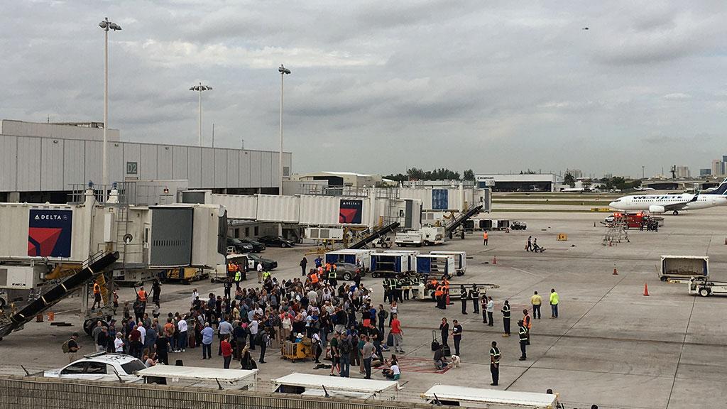 Ветеран Ирака застрелил 5 человек ваэропорту воФлориде