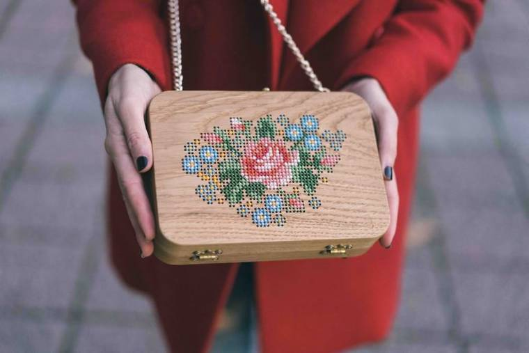 Embroidered wooden bags by Grav Grav