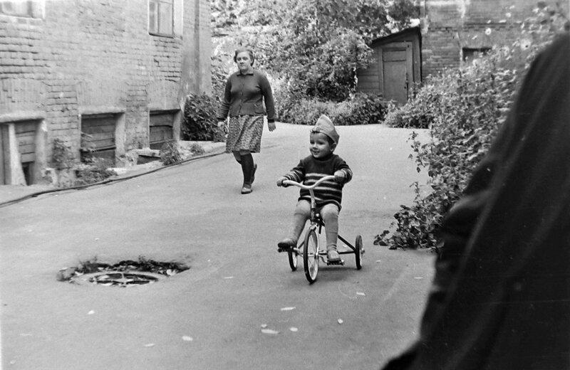 523822 Московские дворики 1968.jpg