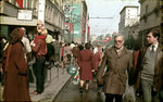 41155 1 мая. Улица Горького 83 из архива Ю. Захаркина.jpg