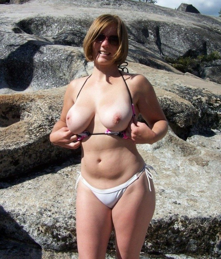 Откровенные снимки зрелых дам (18+)