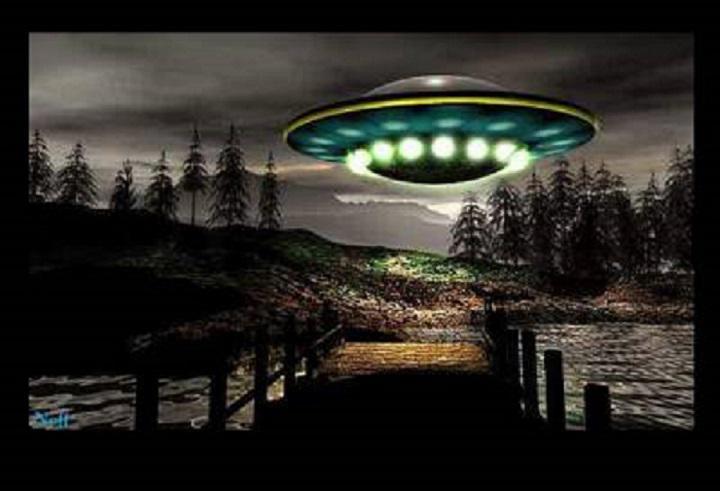 Открытки с Всемирным днём НЛО. Корабль пришельцев!