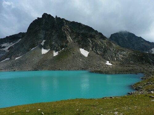 Озеро и гора Буша