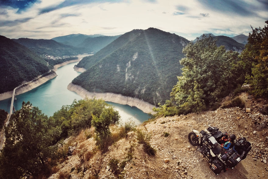 35. Черногория