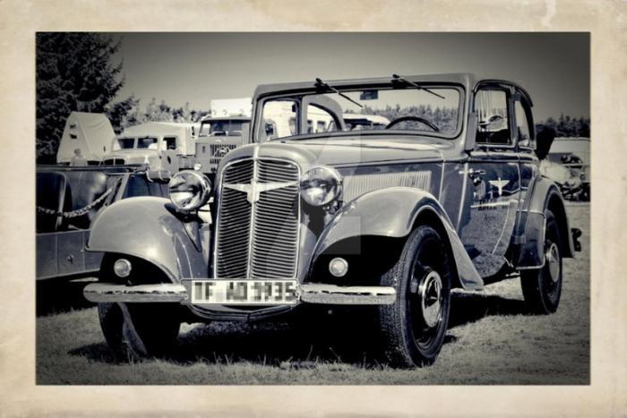 Был у Trumpf'a и уменьшенный вариант Adler Trumpf Junior, появившийся в 1934 году. Эта модель