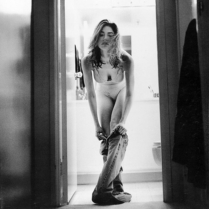 Актриса Анджелина Джоли, которую, кажется, ни один фотограф не смог бы обойти стороной.