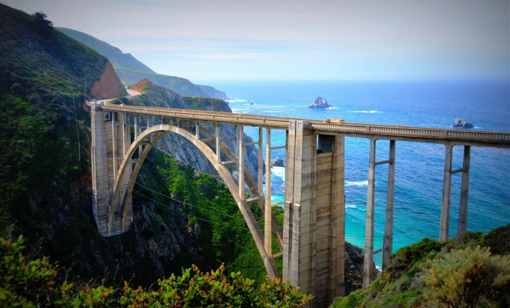 © Reverierambler  Великолепный район побережья Калифорнии словно создан для романтичного уедин