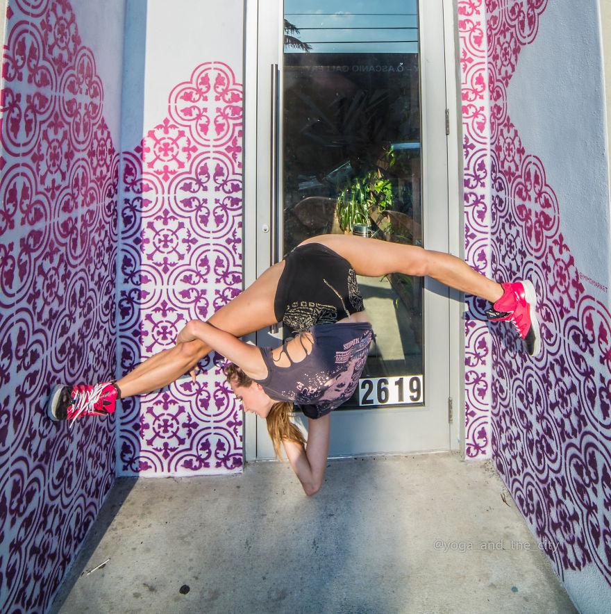 Покой, царящий над хаосом: йога в ритме большого города (14 фото)