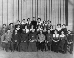 Группа членов Общества телесного воспитания Богатырь. 1912