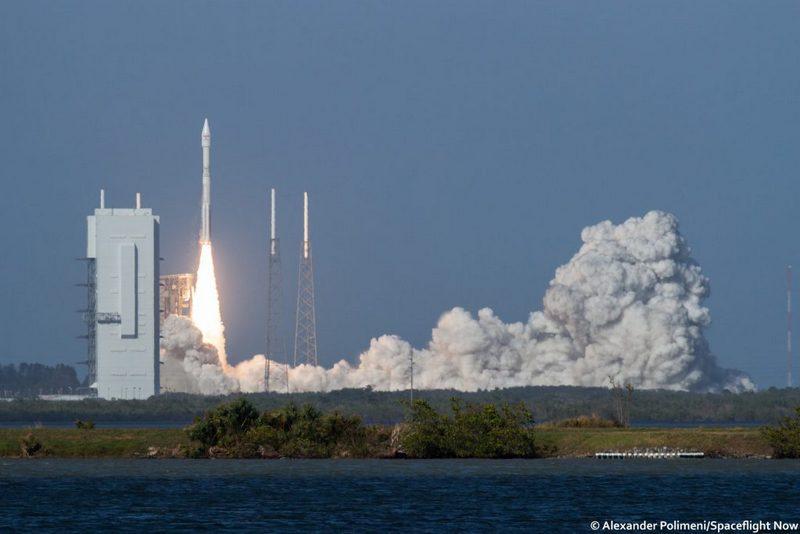 Смыса Канаверал запущена ракета Atlas Vсоспутником EchoStar XIX