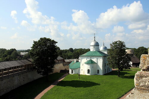 Изборск. Никольский собор.