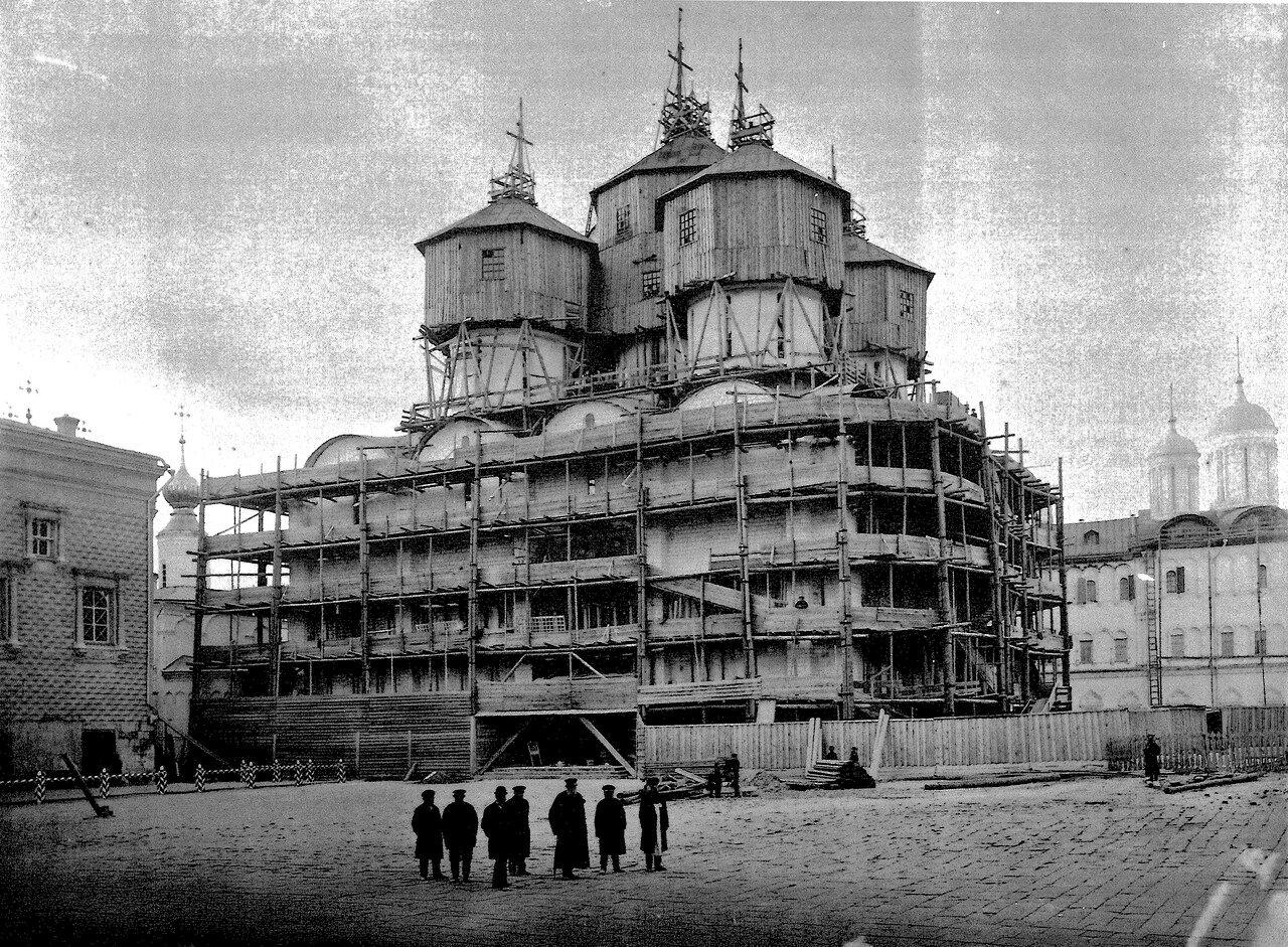 544327 Успенский собор Московского Кремля во время ремонта 1895 г К. А. Фишер.jpg