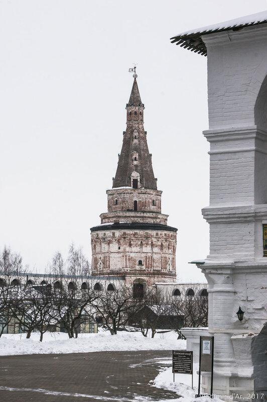 Кузнечная башня (1677-1688 гг.). Иосифо-Волоцкий монастырь.